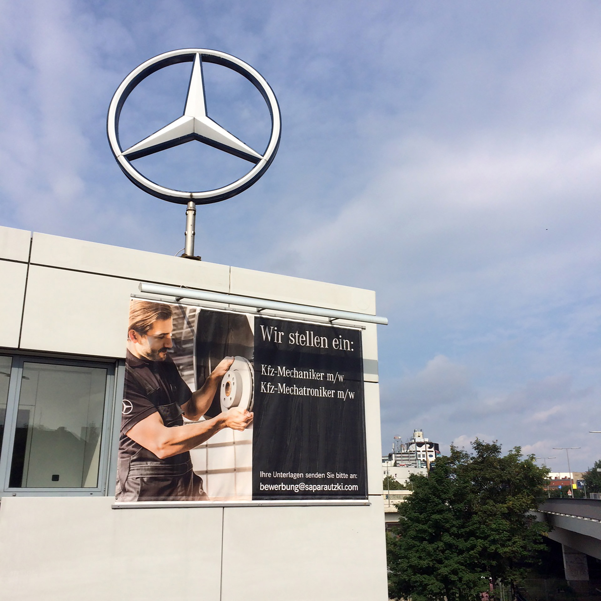 Auto-MB-Fassadennetz-Matti-Michalke-Berlin-Brandenburg-Aussenwerbung-Innenwerbung-Banner-Planen-Folien-Werbemittel-Druck-Print