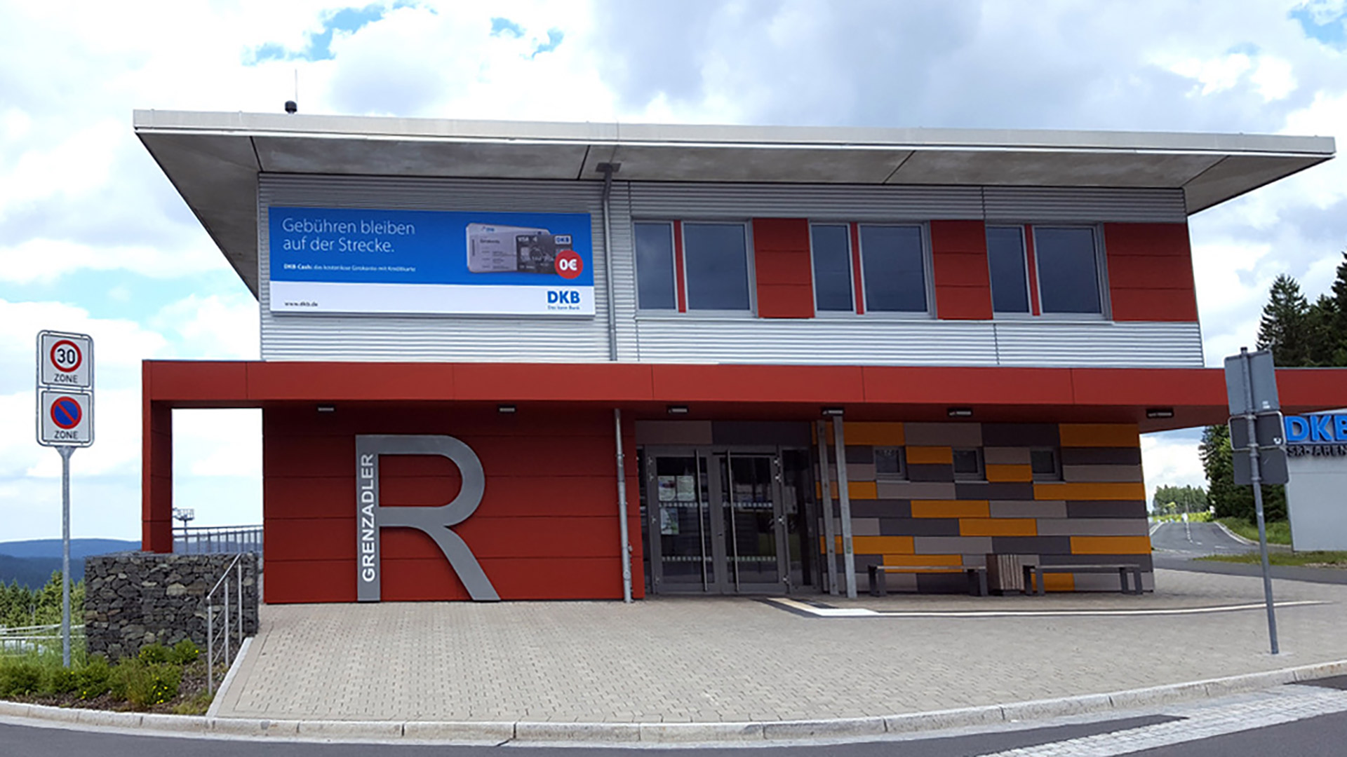 Bank-DKB-Thueringen-Durchlicht-Matti-Michalke-Berlin-Brandenburg-Aussenwerbung-Innenwerbung-Banner-Planen-Folien-Werbemittel-Druck-Print
