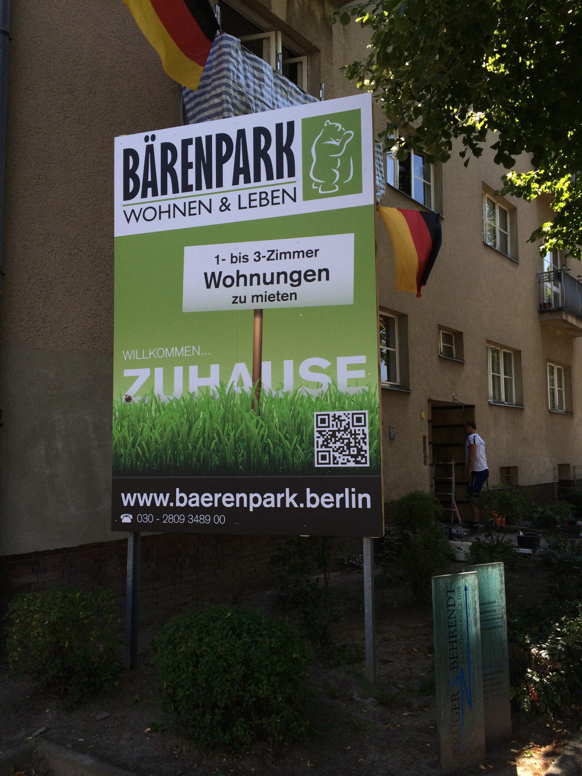 Bautafel-Berlin-Dibond-Matti-Michalke-Berlin-Brandenburg-Aussenwerbung-Innenwerbung-Banner-Planen-Folien-Werbemittel-Druck-Print