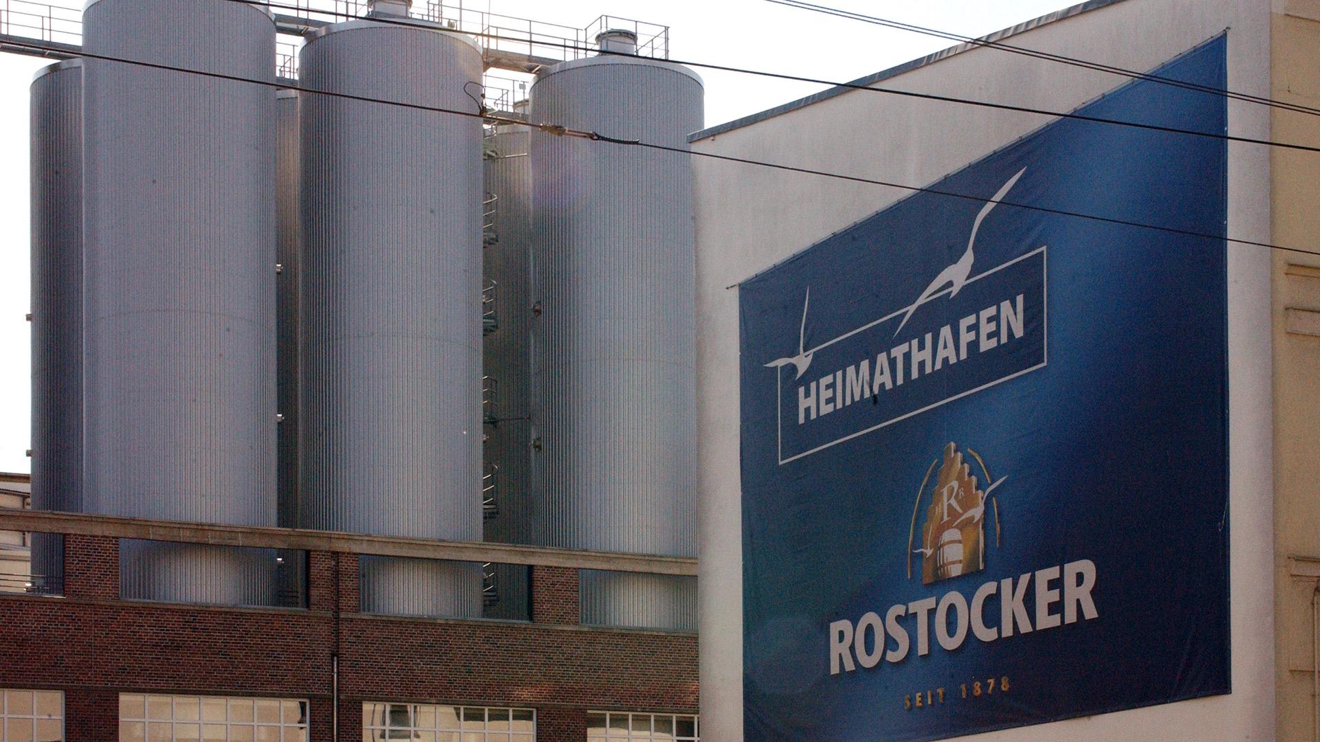 Bier-Rostock-Fassade-Matti-Michalke-Berlin-Brandenburg-Aussenwerbung-Innenwerbung-Banner-Planen-Folien-Werbemittel-Druck-Print