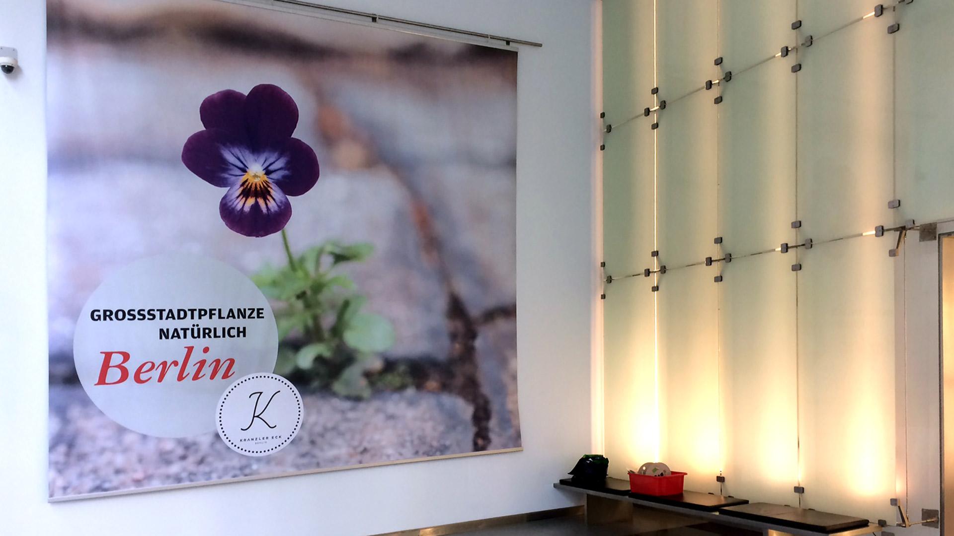 Bueroflaechen-NKE-Textil-Matti-Michalke-Berlin-Brandenburg-Aussenwerbung-Innenwerbung-Banner-Planen-Folien-Werbemittel-Druck-Print