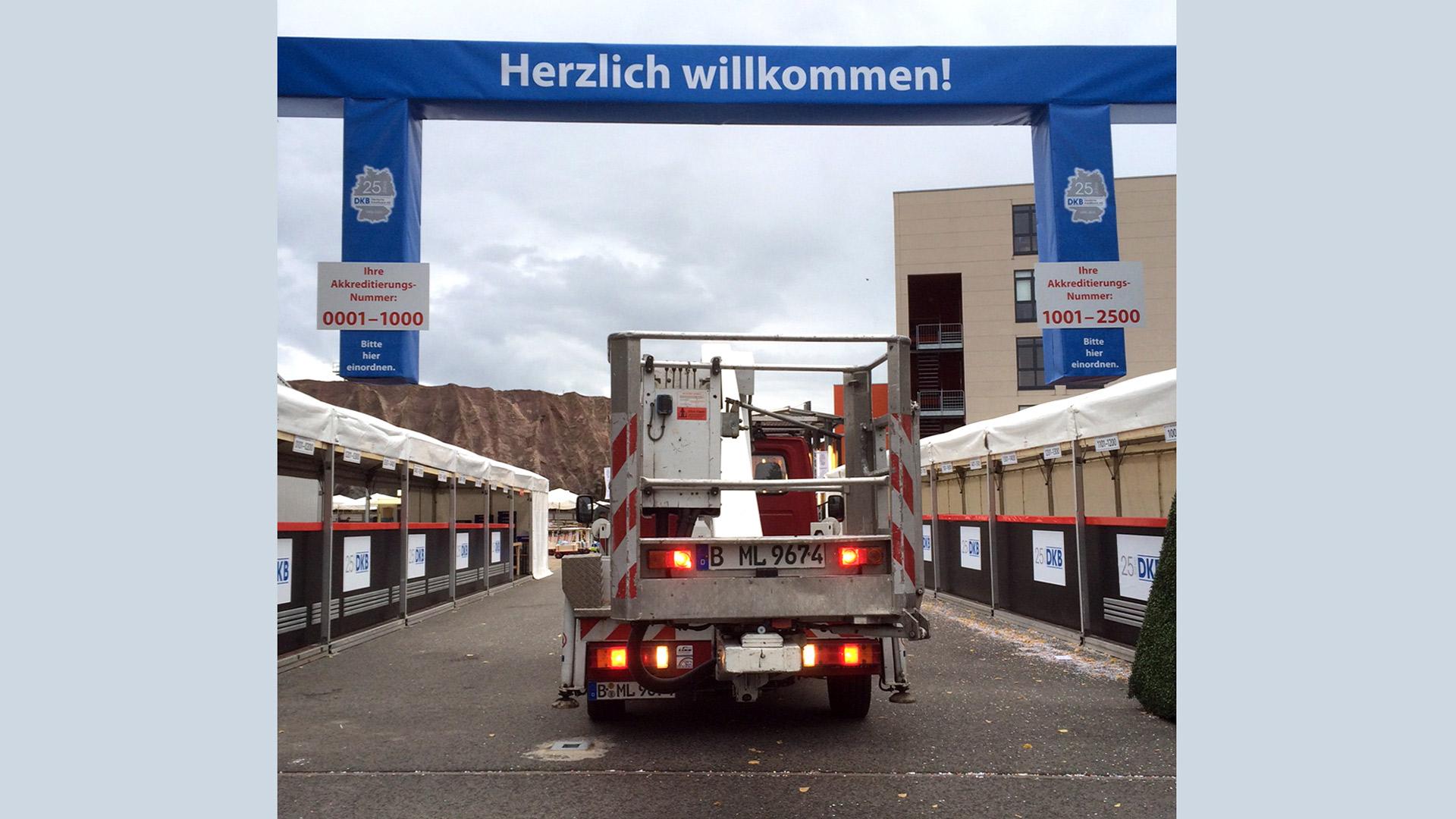 Filmpark-Babelsberg-Sonderbau-Matti-Michalke-Berlin-Brandenburg-Aussenwerbung-Innenwerbung-Banner-Planen-Folien-Werbemittel-Druck-Print