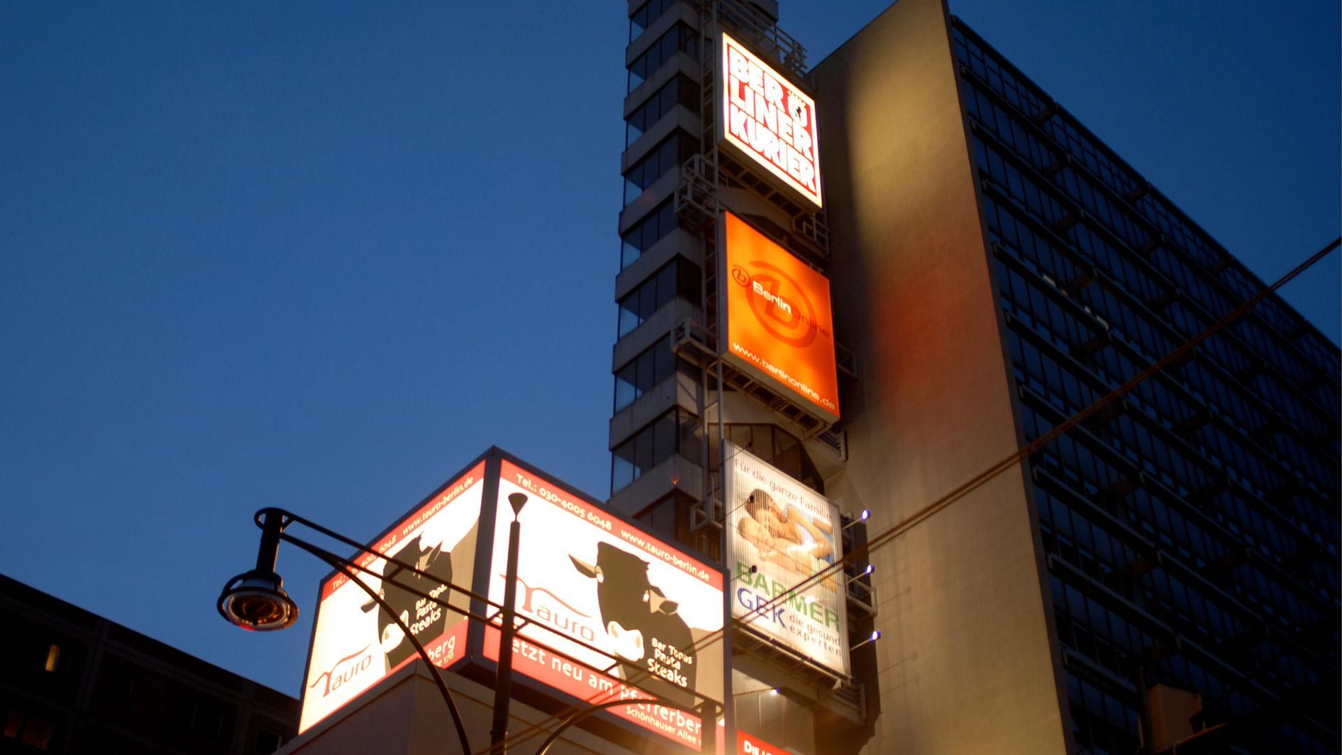 Leuchtwerbung-Alex-Berlin-Matti-Michalke-Berlin-Brandenburg-Aussenwerbung-Innenwerbung-Banner-Planen-Folien-Werbemittel-Druck-Print