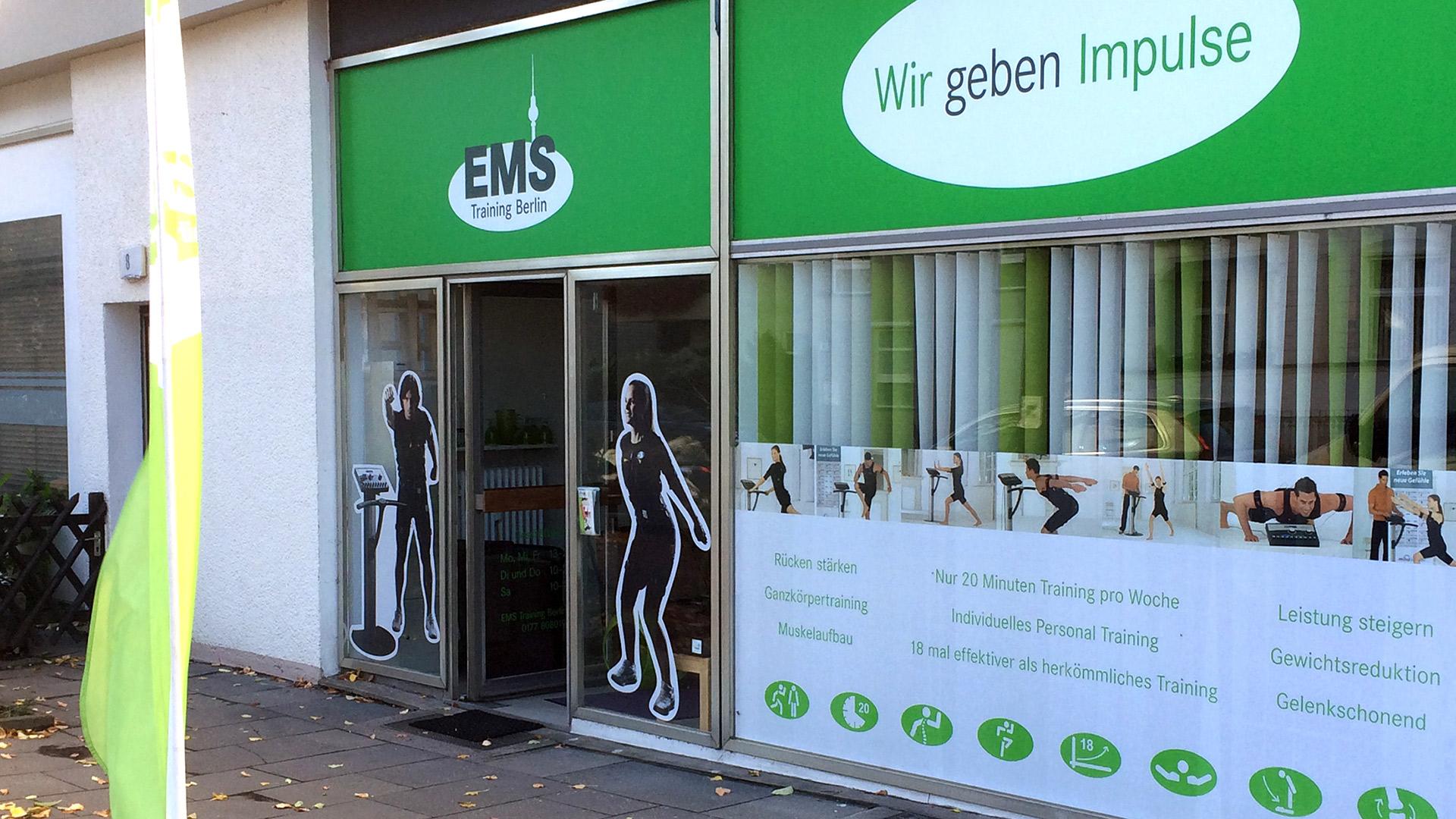 Laden-Berlin-Leuchtwerbung-Matti-Michalke-Berlin-Brandenburg-Aussenwerbung-Innenwerbung-Banner-Planen-Folien-Werbemittel-Druck-Print